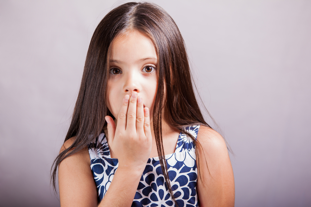 Когда у ребенка запах изо рта. Неприятный запах изо рта у детей – повод для беспокойства