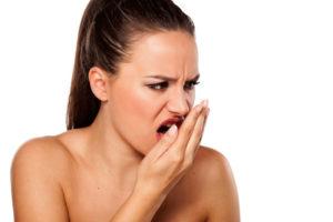 Запах железа изо рта причины