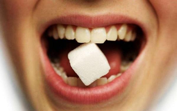 Сладкий привкус во рту: причины у мужчин и женщин, что это значит если он есть постоянно или после еды, по утрам после сна или рвоты