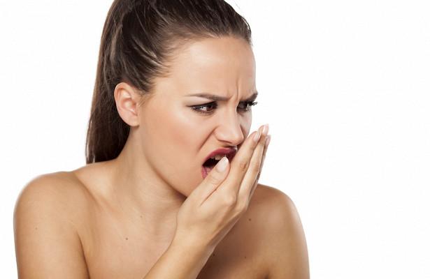Причины появления привкуса и запаха йода во рту у женщин и детей по утрам